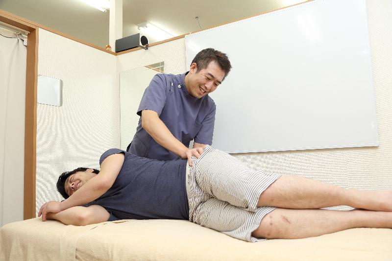 「関節可動回復矯正法」による骨盤矯正